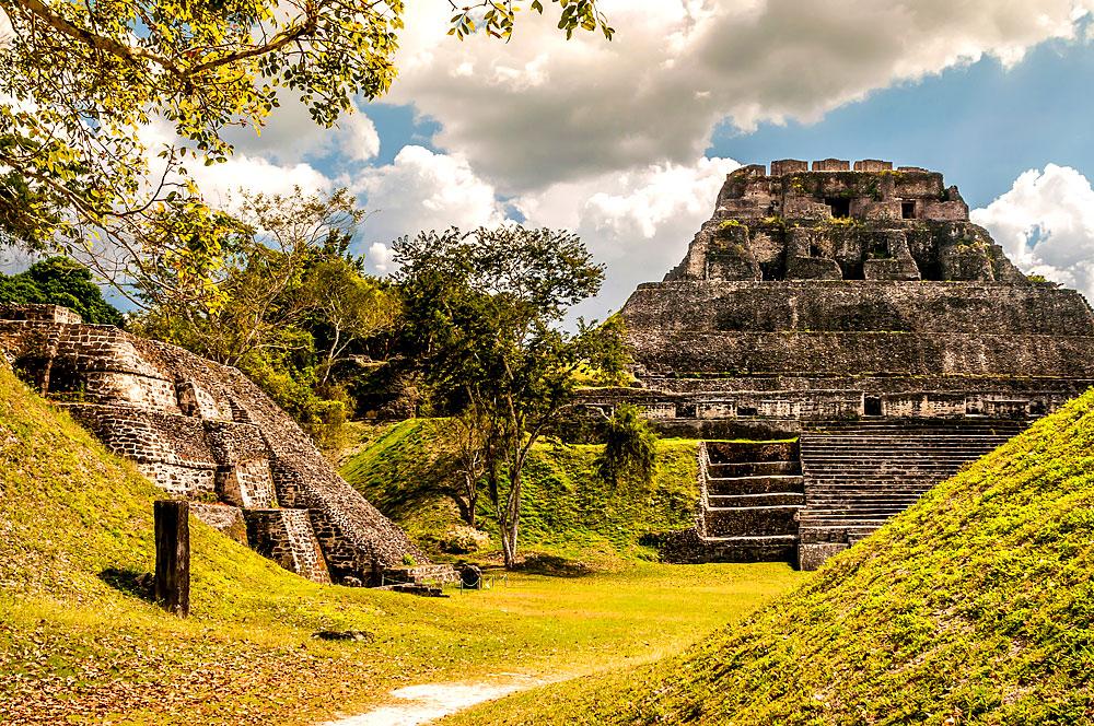 Xunantunich - Maya Ruinen in Belize