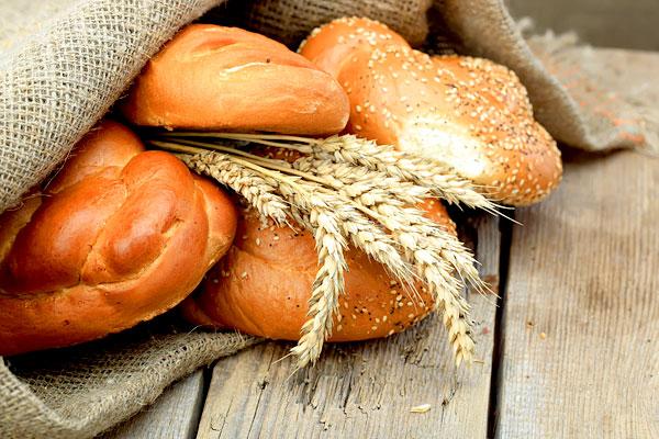 Archivbild: Brot und Brötchen (Foto: VikZa | Photos.com)