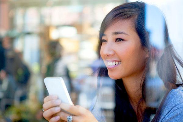 Samsung und Apple bekriegen sich vor Gericht (Foto: Linzy Slusher | Photos.com)
