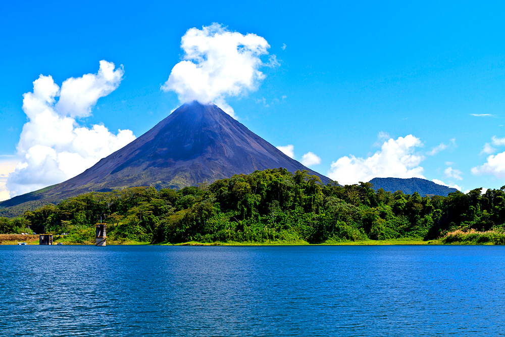 Arenal Vulkan in Costa Rica (Foto: Colin Young   iStockphoto   Thinkstock)