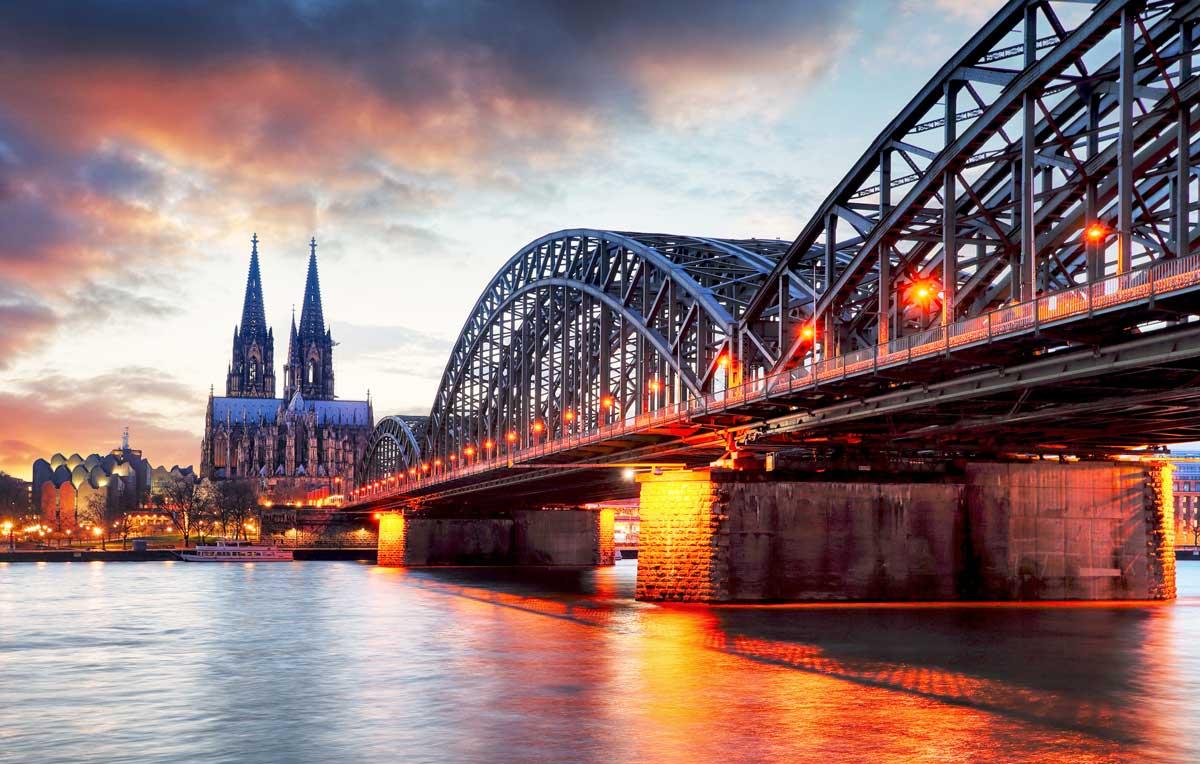 Köln: Hohenzollernbrücke und Dom