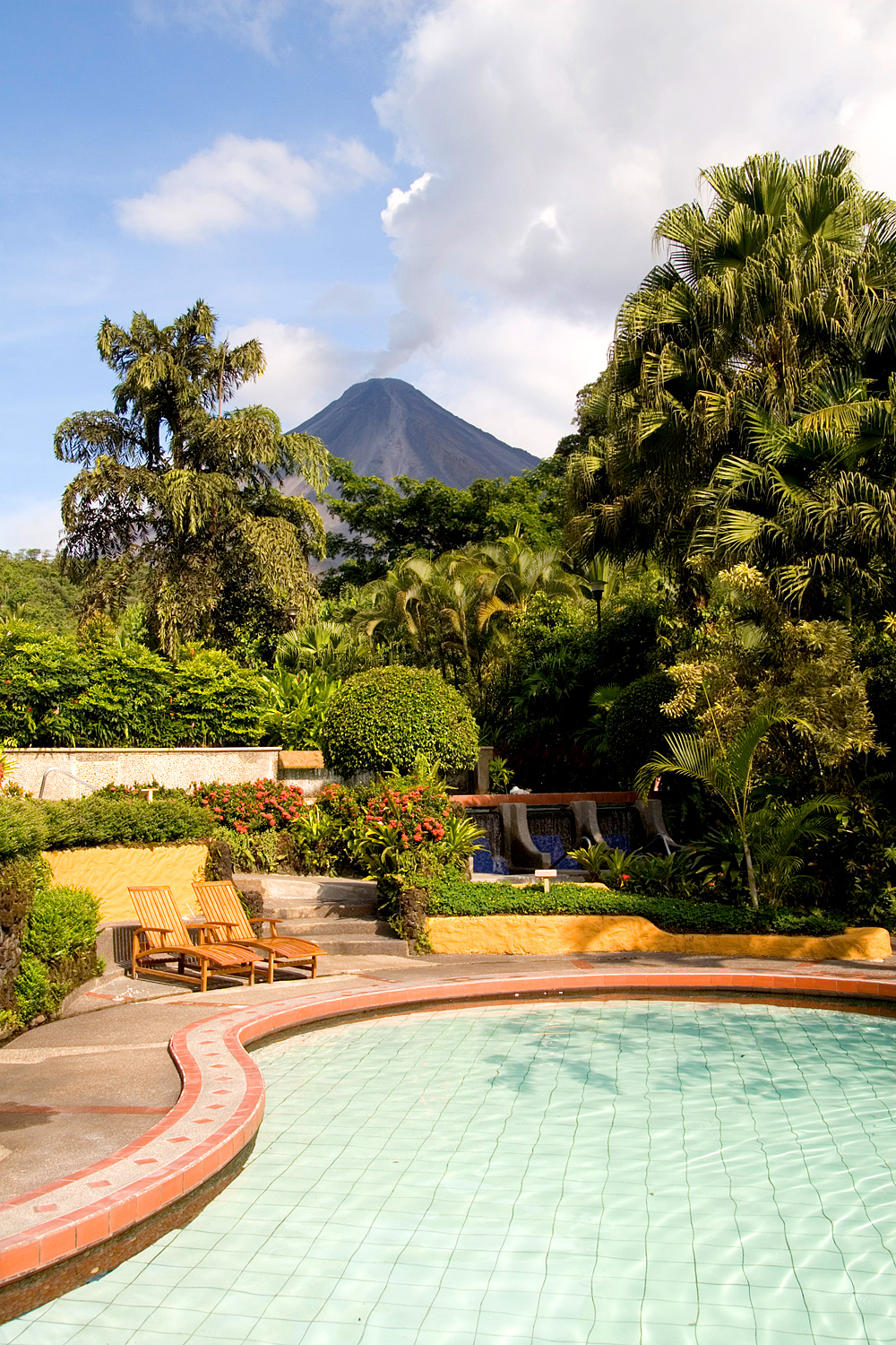 Pool in Tabacon Springs Cost Rica (Foto: Angus Beare | iStockphoto | Thinkstock)
