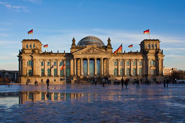 Berliner Reichtstag in korrekter Belichtung