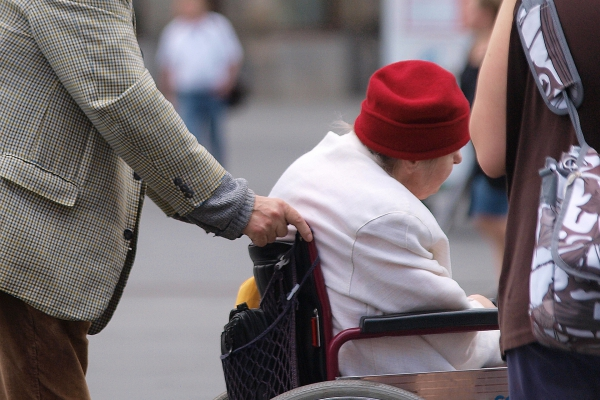 Seniorin im Rollstuhl, über dts Nachrichtenagentur
