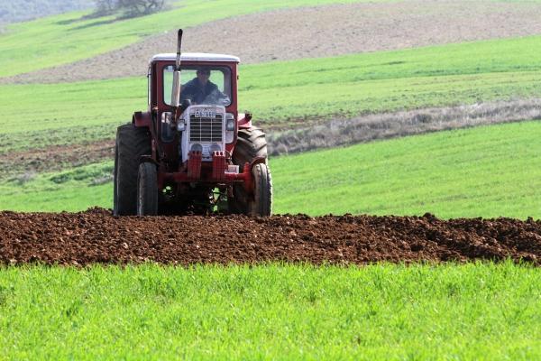 Bauer mit Traktor, über dts Nachrichtenagentur