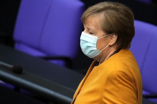 Angela Merkel mit Mundschutz, über dts Nachrichtenagentur