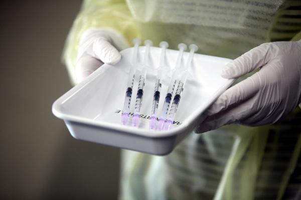 Aufgezogene Impfspritzen, über dts Nachrichtenagentur