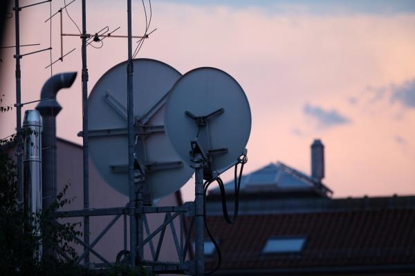 Satellitenschüsseln, über dts Nachrichtenagentur