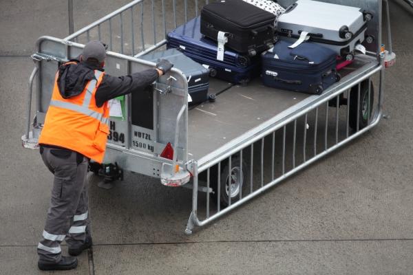 Flughafenarbeiter, über dts Nachrichtenagentur