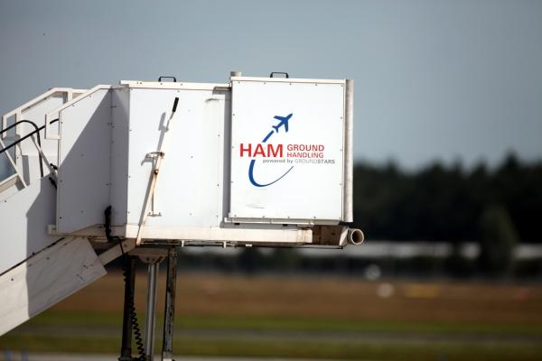 Flugzeugtreppe am Flughafen Hamburg, über dts Nachrichtenagentur