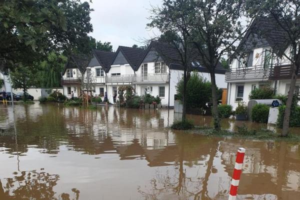 Hochwasser in NRW am 15.07.2021, Feuerwehr Ratingen,  Text: über dts Nachrichtenagentur