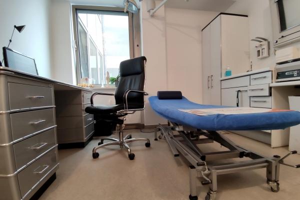 Behandlungszimmer beim Arzt, über dts Nachrichtenagentur
