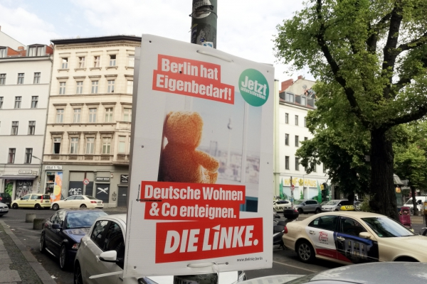Linken-Plakat für Enteignung, über dts Nachrichtenagentur