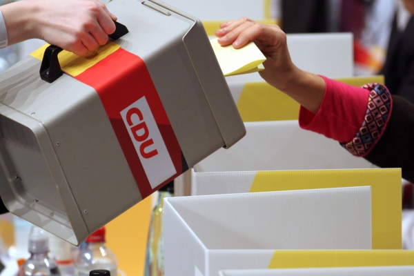 Wahlurne auf CDU-Parteitag, über dts Nachrichtenagentur
